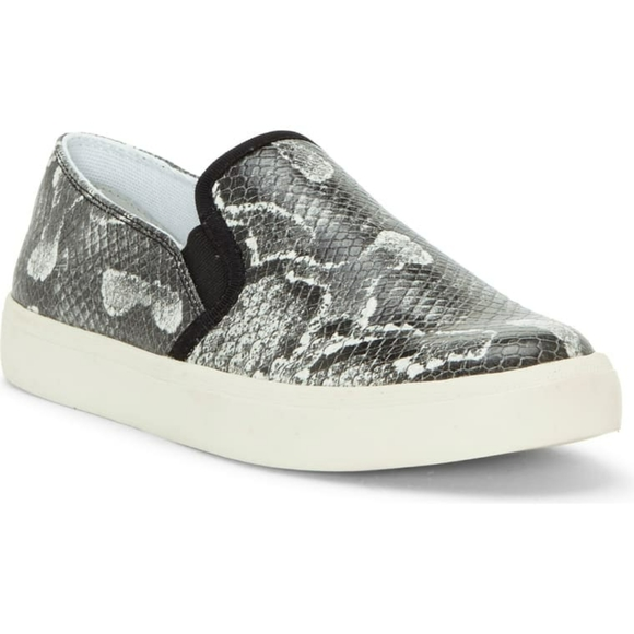 Jessica Simpson Shoes - New Jessica Simpson Dinellia Slip On Sneaker
